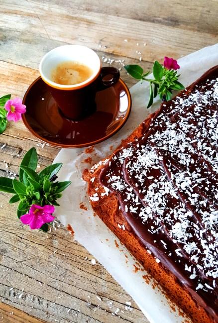 Kvikklunsjkake - Sjokoladekake i langpanneform